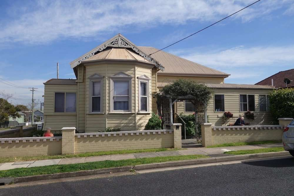 15 Room Boarding House for sale Newcastle Front