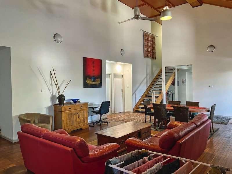 Boarding House Lounge